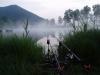 Ribolov je še posebej čaroben, ko se nad jezero prikradejo meglice ...